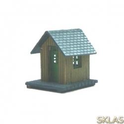 N - caseta de madera con puerta abatible